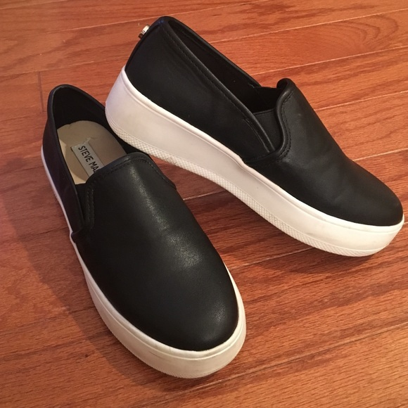4069ec8f2f97 Steve Madden Buffey black leather slip on sneaker.  M 587c1060eaf03082c90a7098