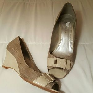 Shoes - Grey/taupe peep toe wedges, size 7.5