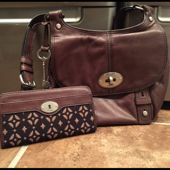 86e51b15a8f Fossil Handbags - COMBO Fossil Maddox Flap crossbody purse & wallet