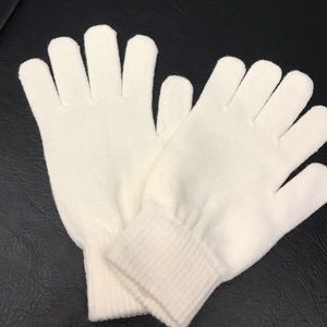 Accessories - White, knit winter gloves