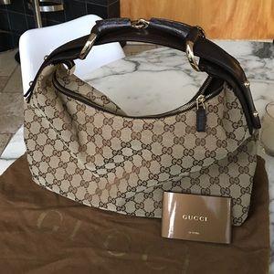 Gucci Handbags - Gucci monogram horsebit chain hobo shoulder bag