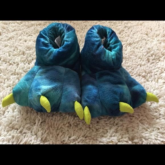 Cat & Jack Shoes | Cat Jack Boys Fuzzy Dinosaur House Slippers ...