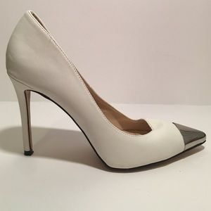 Luichiny Shoes - 🎉SALE🎉 White patten pumps with metal toe
