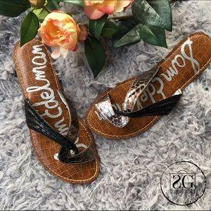 Sam Edelman Shoes - HP🎉Sam Edelman Black & Metallic Sandals.