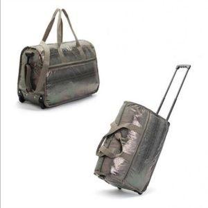 Handbags - ❗flash sale Metallic snake skin  traveling bag