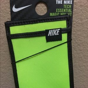 Nike Other - Nike Tech Essential Magic Wallet