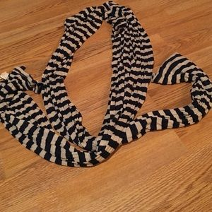 Old navy blue/cream striped scarf