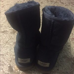 Ugg Navy Blue Ugg Boots From 👧 S Closet On Poshmark