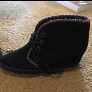 80%20 leather hidden heel booties! Rare! Size 6