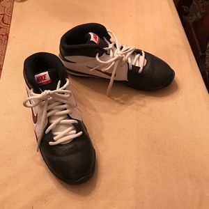 Nike Other - NIKE YOUTH BASKETBALL SHOES