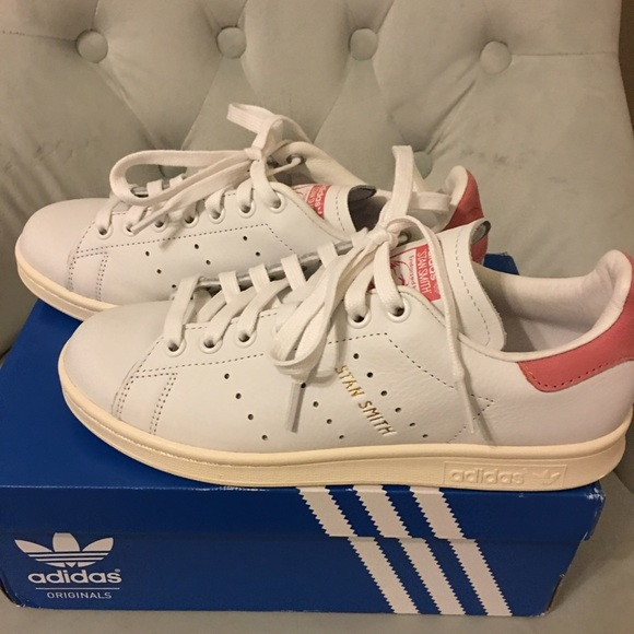 designer fashion effcd c7d81 Adidas Shoes - Adidas Stan Smith in Pink. Unisex. Men US 5.5