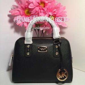 Michael Kors Handbags - 🌈🦄MICHAEL KORS SMALL SAFFIANO LEATHER BAG