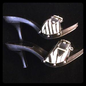 Guess Shoes - ☂️GUESS Zebra Slides - 7