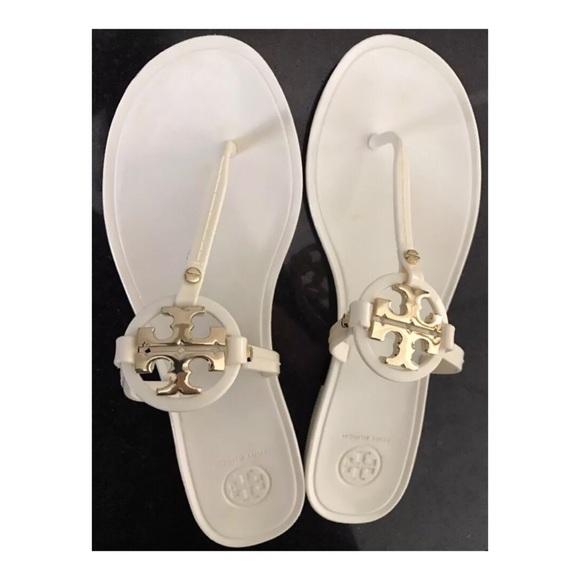 dc670544d0b Tory Burch Mini Miller Jelly Sandal Ivory Size 9. M 587c4f8d981829476103b145