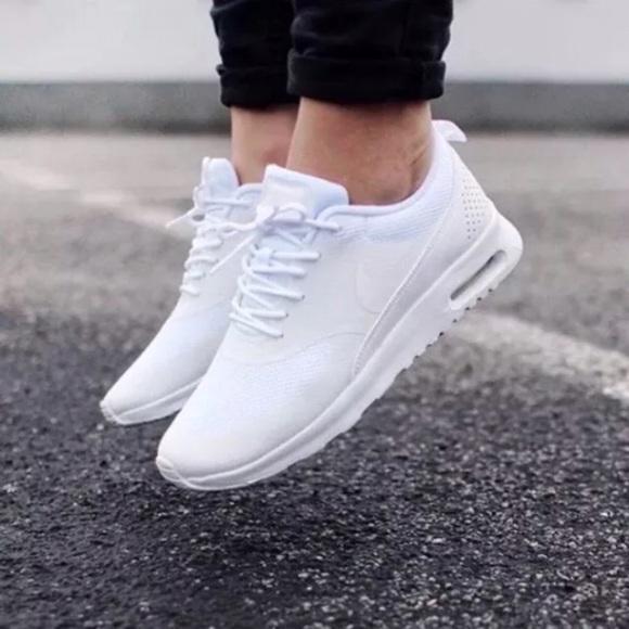 official photos 092c2 fe58a Womens Nike Air Max Thea White Sneakers