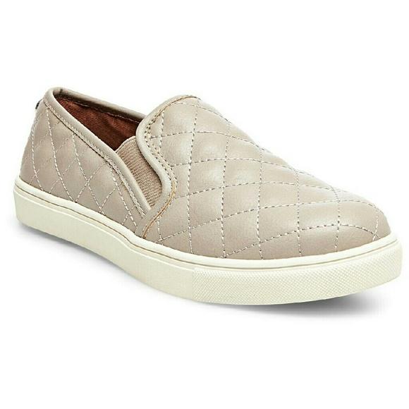 Rae Canvas Slip-On Sneakers D9XJotq