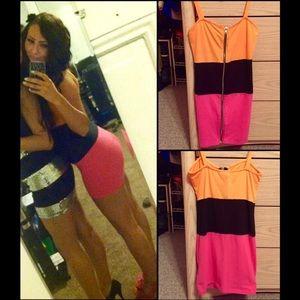 Boohoo Dresses & Skirts - 🚨SALE🚨 Miami Nites Color Block Dress 🌴🖤