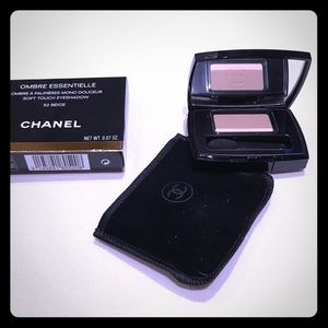 CHANEL Other - CHANEL- SOFT TOUCH EYESHADOW IN BEIGE #52