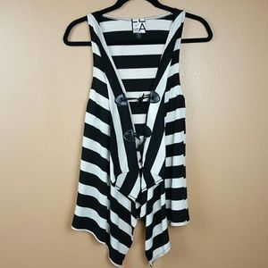 🌺 Living Doll Black & White Cardigan Size Small
