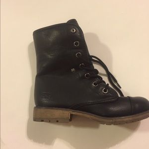 Shoes - Black Dirty laundry size 6.5 combat boots