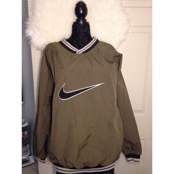 35fa89dd864a Vintage Nike Windbreaker  pullover. M 587c66a6291a3502720c045e
