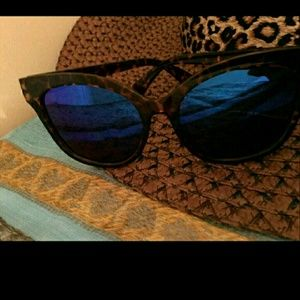 Cats eye blue/purple sunglasses