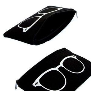 Handbags - Black Zippered Eyeglasses Bag