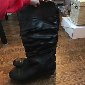 kohls Shoes - Barley worn black boots