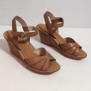 Camper Shoes - NEW MARKDOWN Campers platform sandals Sz 6