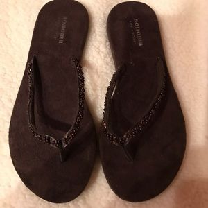 Shoes - Size small (5-6) flip flops