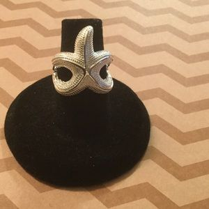 Jewelry - NWT Sterling silver plated starfish ring size 6