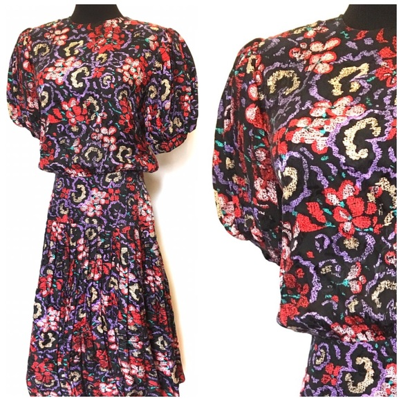Vintage Dresses & Skirts - Vintage Floral 100% Silk Puff sleeve dress