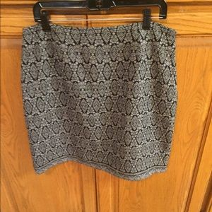 Harold's Boutique Black and Off-white Skirt