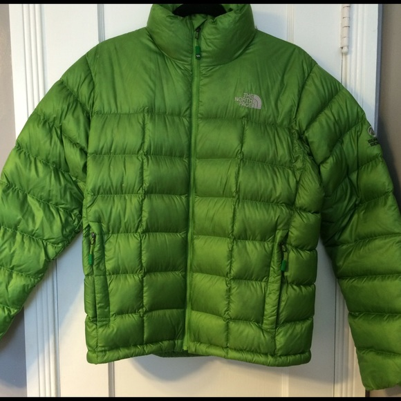 ebaf6c115 North Face puffy jacket. Size M, bright green