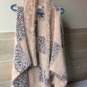 Soft fluffy vest / cardigan