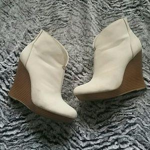 Jennifer Lopez Shoes - Jennifer Lopez wedges