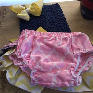 Bambi's Tutu's Other - Handmade Diaper Cover Set New