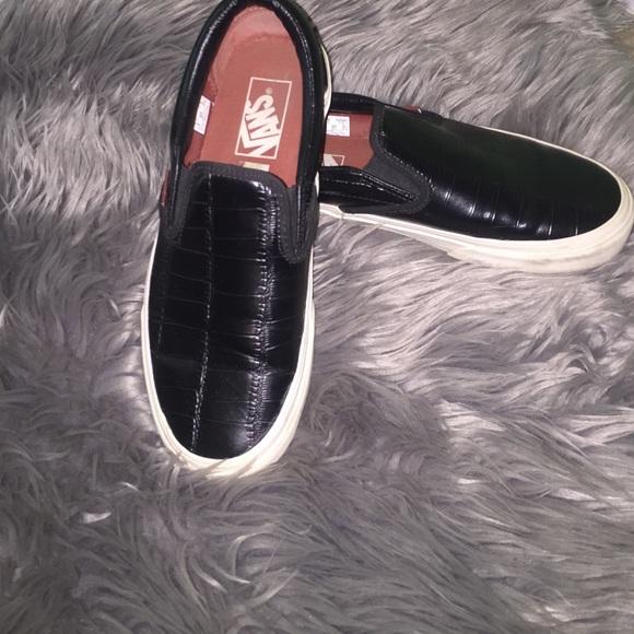 6bf86795a0 Vans Black and White Croc Leather Slip Ons. M 587d1dd58f0fc4b70e0e49cf