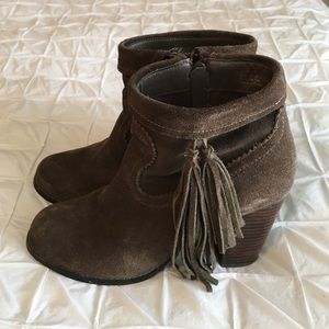 Sbicca Shoes - Beautiful Suede Ankle Booties