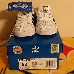 Adidas Shoes - Adidas Superstar size 5k