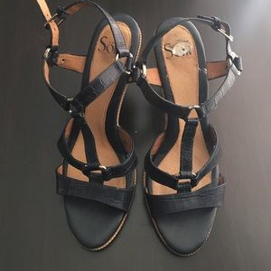 Sofft Shoes - Brand New Sofft Navy Blue sandals