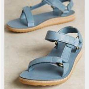 Universal Tech Sandal in Blue