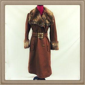 Vintage wool coat with fur trim