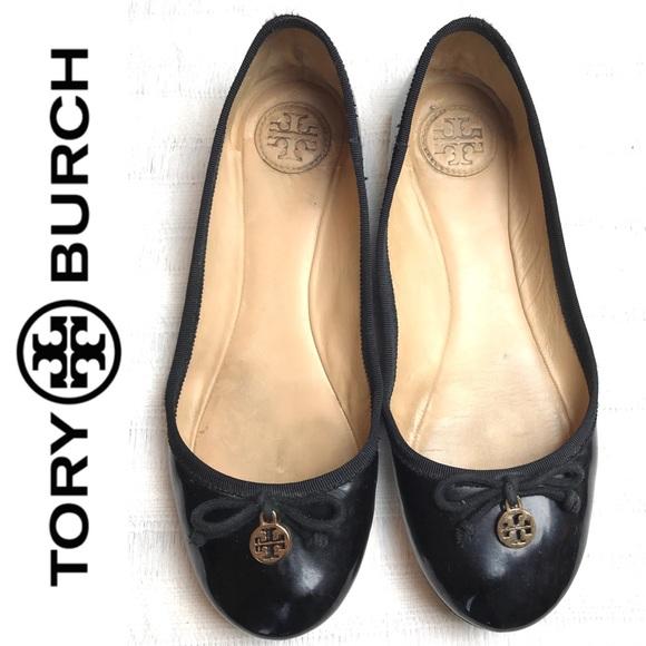 187ad78b3ff7 Tory Burch  Chelsea  Classic Ballet Flats in Black.  M 587d3033f0137d241b018c91