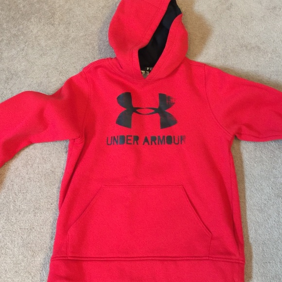 Red and black under armor hoodie. M 587d32d7bcd4a795670199e1 5d583fbad