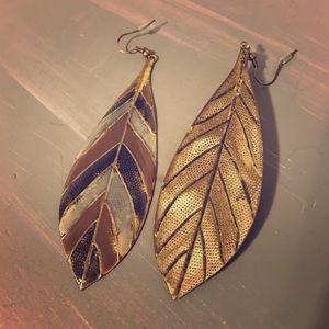 Jewelry - Long leaf earrings