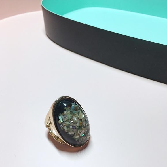 Jewelry - Shell pattern ring