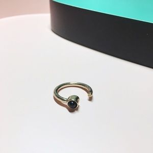 Jewelry - Black stone ring