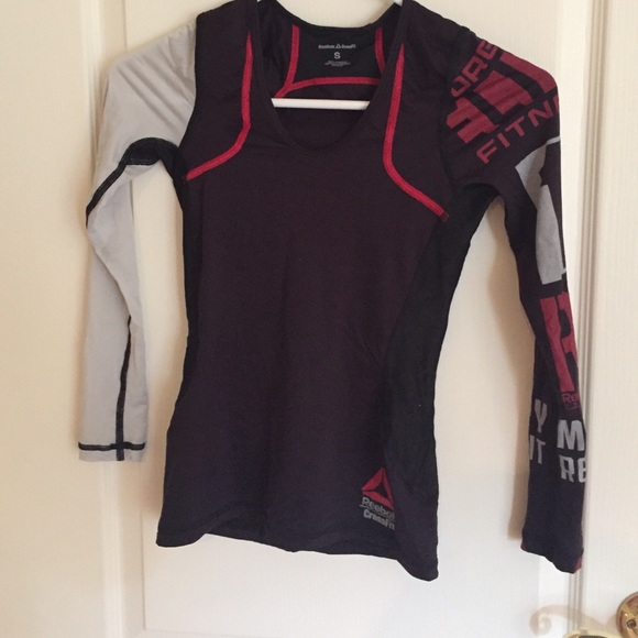 771654b408a7 Reebok crossfit compression shirt size Small. M 587d3c1d291a35524f0ec185