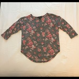 ALMOST FAMOUS pink/grey floral 3/4 sleeve sweater